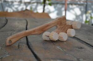 деревянная палка с массажером