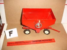 1/16 red international gravity wagon