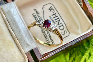 18ct 18K Yellow Gold Ruby and Diamond Trilogy Ring SIZE P  VINTAGE