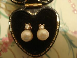 Beautiful,Finely Crafted: Genuine Pearls & Sparkling Diamonds 9CT Gold Earrings