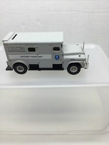 """ERTL COLLECTIBLES-"""" BRINKS """" DIE-CAST 1959 GMC ARMORED TRUCK WITH COIN BANK 1/32"""