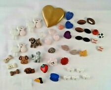 Buttons Mixed LOT of 43 Risen Plastic Sewing Craft Scrapbooking