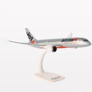 Jetstar Boeing 787-8 Dreamliner 1:200 scale solid plastic 787 model aircraft