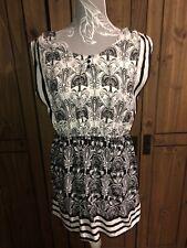 Dorothy Perkins Ladies Size 14 Black White Floral Patterned Dress Flattering Fit