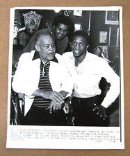 Boxing Legend Joe Lewis, Thomas Hearns and Emanuel Stewart 8x10 B&W Wire Photo !