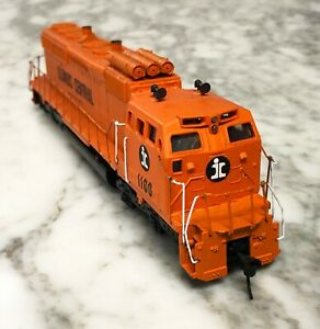 Athearn HO Illinois Central Kitbashed SD40-2 Flat Nose Diesel Locomotive Tested