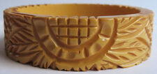 VINTAGE BUTTERSCOTCH BAKELITE DEEP CARVED SUNFLOWER BANGLE BRACELET