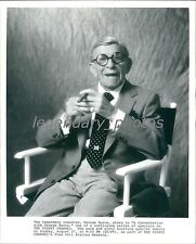 1989 Comedian George Burns in Director's Chair Original News Service Photo