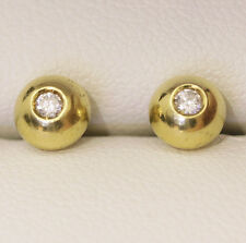 Very nice vintage 18ct gold and Diamond stud earrings, classic style