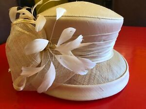 Harrods designer wedding occasion hat Peter Bettley ivory/cream with hat box