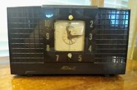 RARE 1940'S MITCHELL BAKELITE TUBE AM CLOCK RADIO MODEL UNKNOWN WORKING W/STATIC