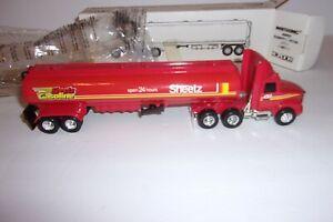 Ertl Whitegmc Sheetz Tractor Trailer Tanker Truck 1/64 Scale