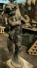 Plomb Fontaine Figurine de Un Garçon tenant brochet , Ancien Jardin