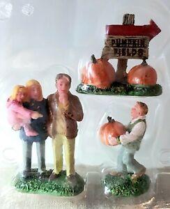 RETIRED Lemax Holiday & Seasons Figurine The Perfect Pumpkin #02838. c.2010