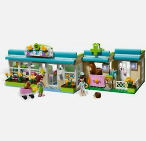 Lego Friends 3188 heartlake vets with instructions. 100% Complete, checked twice