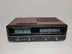 Vintage Realistic Chronomatic-260 AM/FM Radio Alarm Clock Nice Condition Working