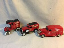 3 Ertl 'Budweiser' 1905 Delivery Car; 1932 Ford Panel Delivery; 1938 Panel Truck