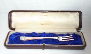 Cased Antique Solid Silver Pickle Fork by Henry Williamson Ltd, Sheffield 1907