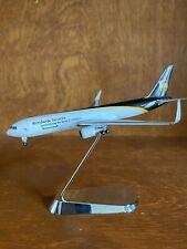 GeminiJets BOEING 767-300FWL - N344UP UPS with display stand