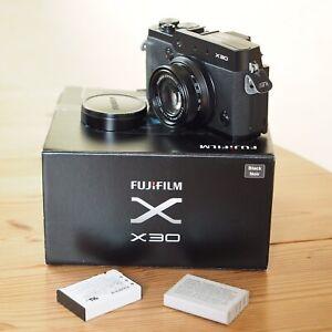 Fujifilm X30 schwarz mit OVP