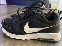 NIKE Size 7.5 Air Max Motion 2 Black White Women's Athletic Running Shoes