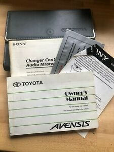 TOYOTA AVENSIS OWNERS MANUAL / HANDBOOK WITH WALLET 2000 2001