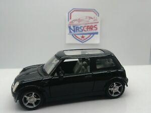 1/30 Mini Cooper Smart Toys (no Universal Hobbies 1/43 1/24 Peugeot Porsche)