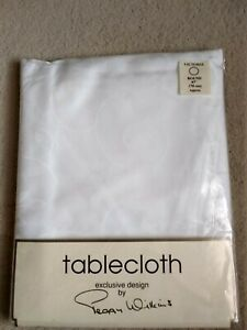 "Peggy Wilkins White Victoria Cotton Damask Tablecloth Round 67"" 170cms"