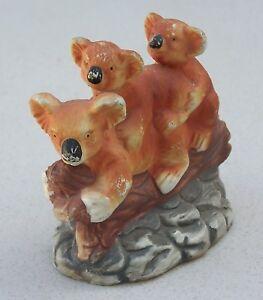 CUTE SMALL THREE KOALAS w BABIES ON BACK SITTING ON LOG FIGURINE ORNAMENT SHELF