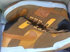 Nike x Supreme Delta Force 3/4 SB, UK 8.5/US 9.5.     309958 771