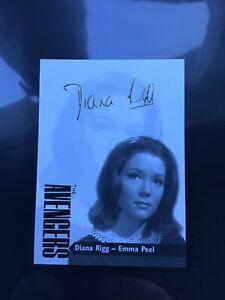 DIANA RIGG as EMMA PEEL GOLD FOIL FACSIMILE AUTOGRAPH CARD AVENGERS TV SHOW