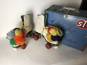 VINTAGE WOMANS Betty Lytle ROLLER SKATES WITH METAL CASE +8 Roller derby Wheels.