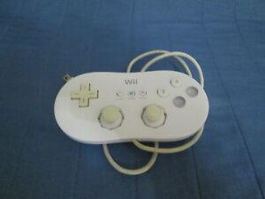 CLASSIC CONTROLLER originale NINTENDO per WII e Wii U ! Colore Bianco !