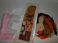 Needle Nuts ABSTRACT NEEDLEPOINT KIT Great Retro Colors