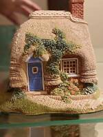 LILLIPUT LANE PETTICOAT COTTAGE MINT CONDITION