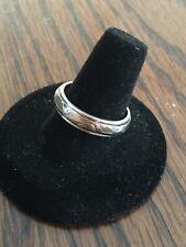 Vintage Sterling Silver Ring (sz 9) Scroll Design Band
