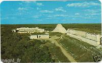 Méjico - The Governor's Palace And The de Magacian Templo - Uxmal , Yucatan