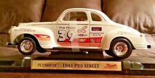 Road Signature 1941 Plymouth Pro Street Diecast Car 1:18 Fairfield Mint #92399