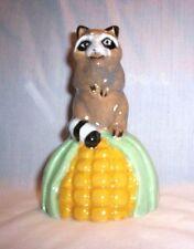 Animal d220 9.960 Ceramic Mixed-Up Raccoon 'n Corn Skirt Pie Bird