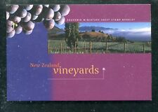 NEW ZEALAND 1434b, 1997 VINEYARDS, COMPLETE BOOKLET, MNH (ID6506)
