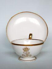 Gde tasse à thé en porcelaine de SEVRES monogramme LOUIS PHILIPPE couronné 1839