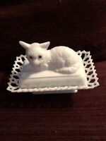VINTAGE WESTMORELAND Wht. MILK GLASS CAT BUTTER DISH / LACED EDGES 6.5""