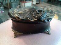 """ANTIQUE ART NOUVEAU BLACK CHIPPY CASKET TRINKET BOX APROX 2X4"""""""