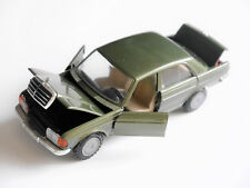Mercedes W 123 200/300 D - 200/280 E zypressen grün metallic, Cursor in 1:36!