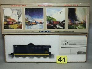 WALTHERS HO SCALE #932-1309 CNJ JERSEY CENTRAL FARIBANKS-MORSE LOCOMOTIVE, NEW