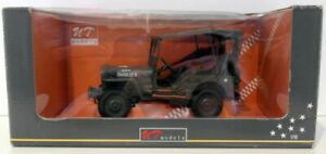 UT Models 1/18 Scale Diecast 24002 - Willy's Jeep W/Canvas Top - Military Green