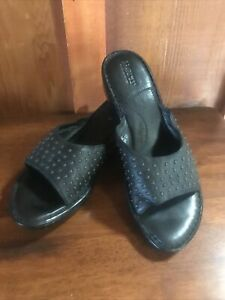 NEW! BORN Black Leather Wedges Casual Sandals Shoes Size 10