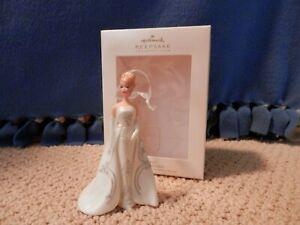 "Hallmark Barbie - ""Joyeux"" Ornament Club 2007"