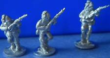 SHQ IS03B 1/76 Diecast WWII Italian Riflemen-Three Advancing