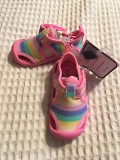 New Water Shoes Sandals Girls Size 4, pink Oshkosh Brand